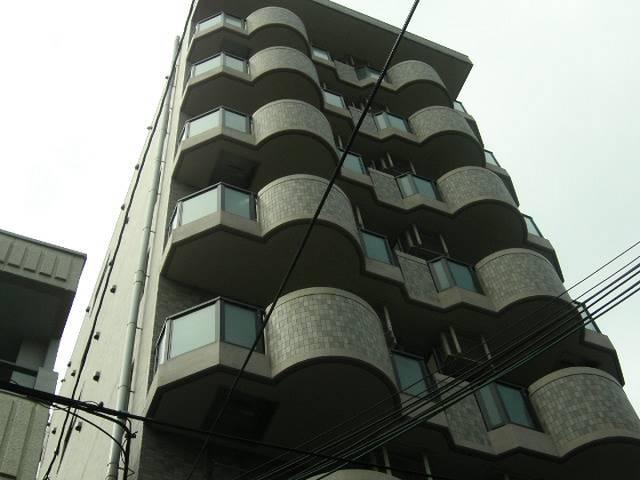 エスポワール三宮 1K/8階の外観