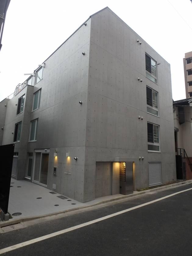 コンポジット早稲田 1DK/1階の外観