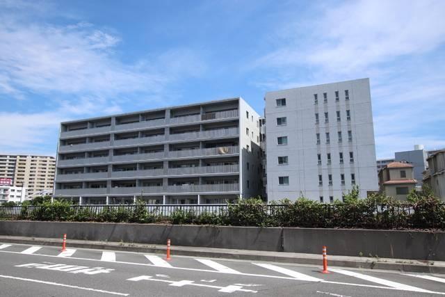 大船レジデンス 2LDK/2階の外観 鉄筋コンクリート造マンション・エレベーター付き