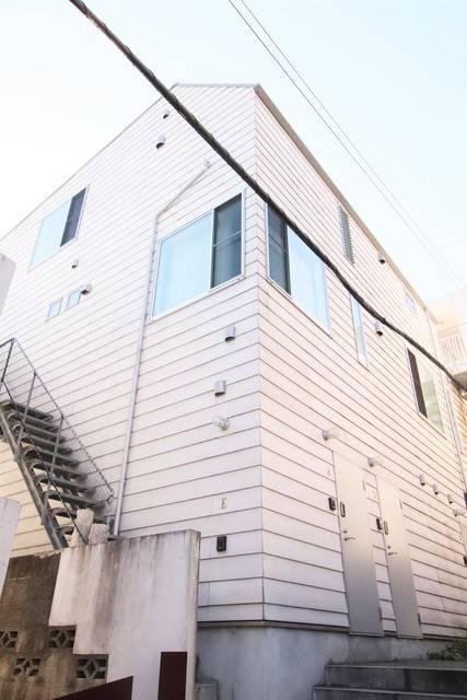 スタイル下北沢 1R/3階の外観 下北沢駅徒歩5分 閑静な住宅街にある猫の飼育可能な物件です。