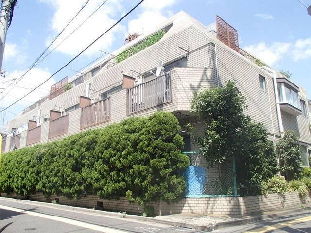 ロイヤルハイネス 1DK/2階の外観 ★鉄筋コンクリート造り3階建てマンション★